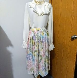 Pleated pastel colors floral skirt